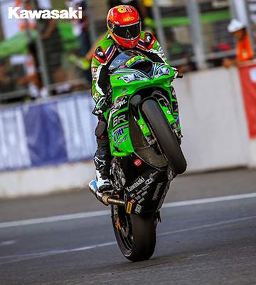 เพลงชาติไทยกระหึ่มสนามช้าง!! ติ๊งโน๊ต ฐิติพงศ์ วโรกร คว้าแชมป์ Supersport 600cc รายการ ARRC