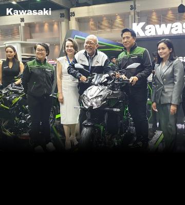 นายขวัญชัย ประภัสร์พงษ์ ประธานจัดงาน Motor Expo 2019  เข้าเยี่ยมชมบูธรถจักรยานยนต์คาวาซากิ