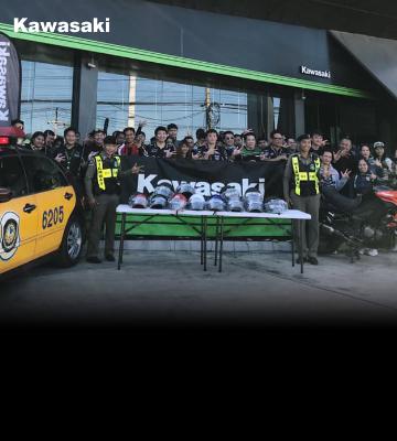 คาวาซากิร่วมกับตัวแทนจำหน่ายฯ มอบหมวกนิรภัยให้กับตำรวจทางหลวงจังหวัดบุรีรัมย์
